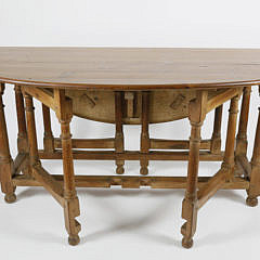 American Hand Crafted Pine Gateleg Drop Leaf Dining Table, circa 1920s