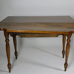 New England Sheraton Vibrant Tiger Maple Drop Leaf Table, 19th c.