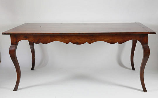 3-4646 Fruitwood dining table A_MG_2831
