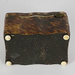 Early 19th Century English Regency Tortoiseshell Single Compartment Tea Caddy