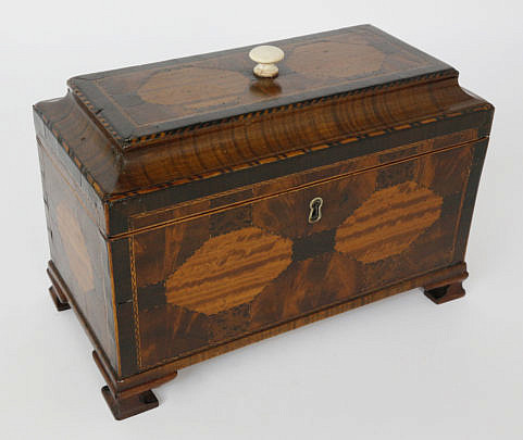 369-3771 English Regency Tiger Maple Inlaid Triple Compartment Tea Caddy A_MG_3163