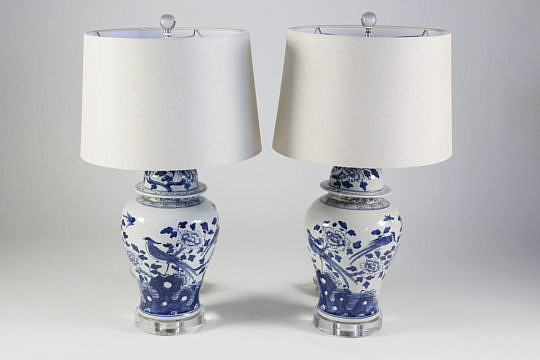 101 AA Pr of Porcelain lamps with acrylic bases A_MG_4019