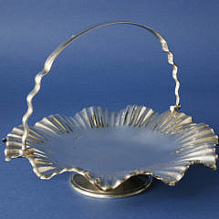 267-4800 English Silver Pedestal Swing Handle Basket A_MG_4083