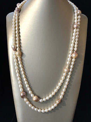 40114 Mauve and White pearls A IMG_4461