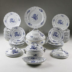 5-4878 Set of 55 Transferware Partial Dinner Service A_MG_4064
