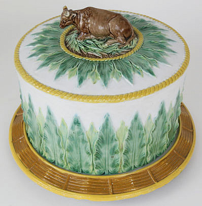 65-4800 Majolica Ceramic Cake Platter with Cow Finial A_MG_3798