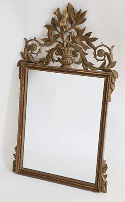 115-4800 Gilt Mirror with Love Bird Pediment A_MG_6208