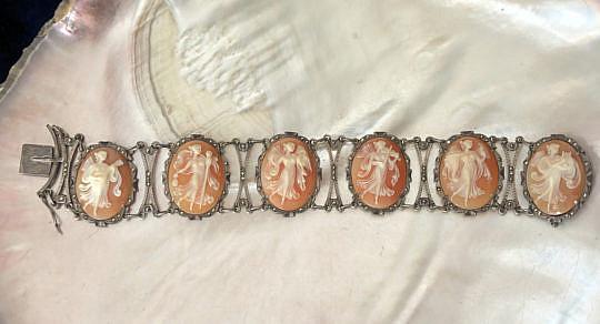 19-4847 Antique 6 cameo bracelet A IMG_5004