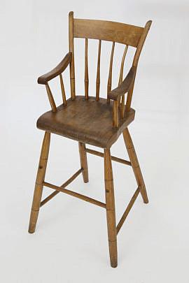 4-4354 Child's Thumbback Windsor Highchair A_MG_4649