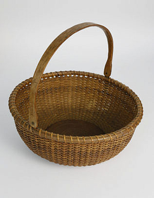 559-1865 round open swing handle basket A_MG_5353