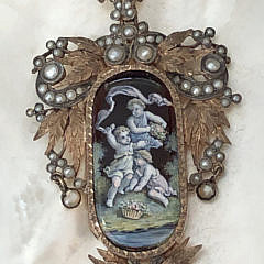 7-4847 rose gold seed pearl pendant with cherubs A IMG_4963
