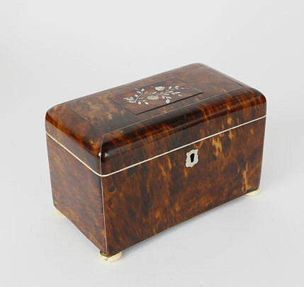 403-3771 Tortoiseshell and Mother of Pearl Inlaid Tea Caddy A_MG_5456