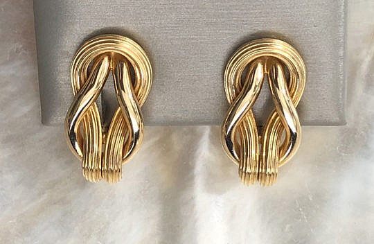 15-4847 Pair of Ilias Lalaounis gold twisted rope earclips IMG_5015