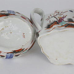 Two Lowestoft Porcelain Teapots with Covers, late 18th Century