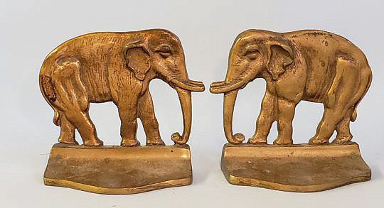 40031 Elephant Bookends A