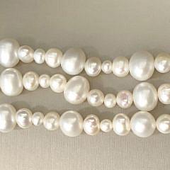 40890 3-Strand Pearl Bracelet A IMG_5518