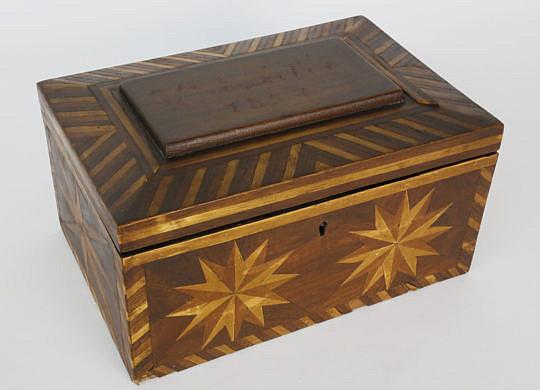 192-4817 Mariner inlaid box A_MG_9224