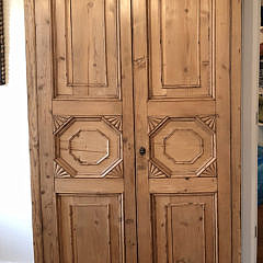 2-4940 English Pine Cupboard A IMG_6180