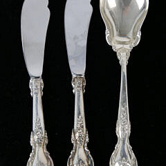 "Lunt Sterling Silver Flatware Service in the ""Delacourt"" Pattern"